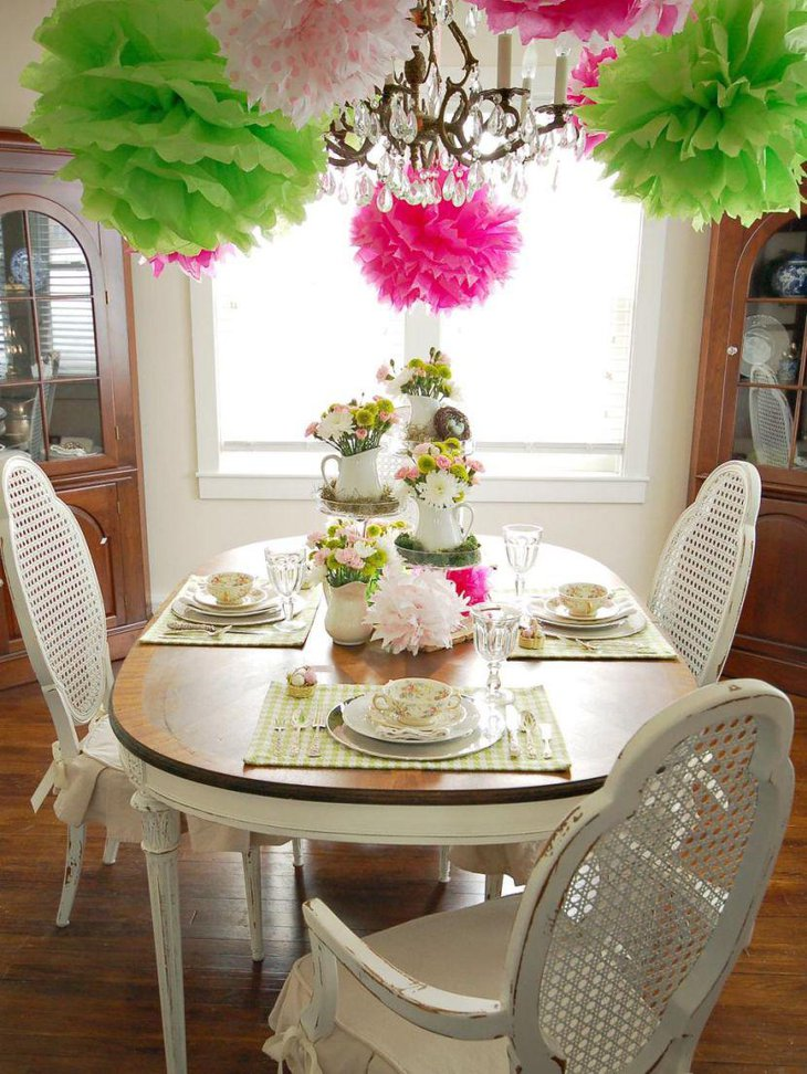 Beautiful Centerpiece Idea With Floral Display For Spring