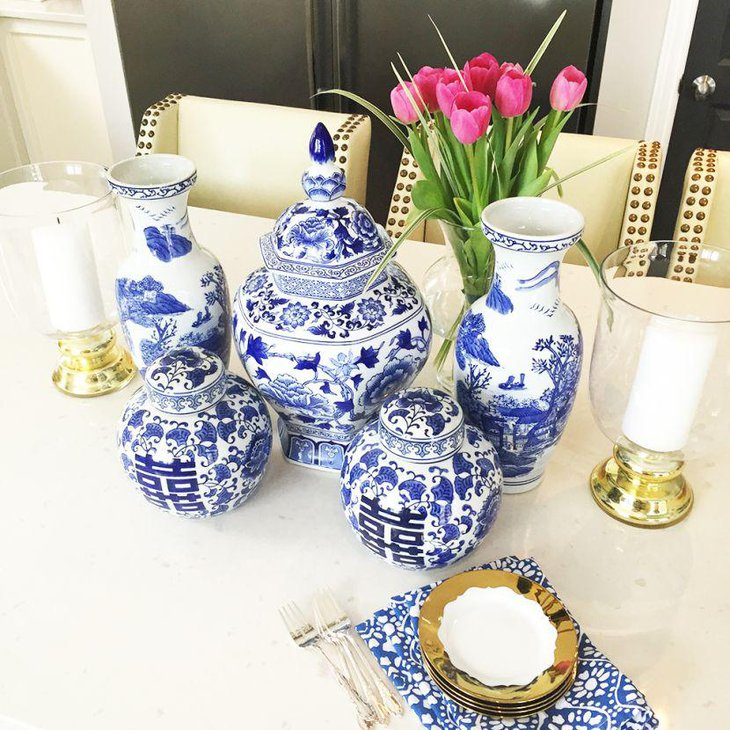 39 fresh spring decorating ideas table decorating ideas for Decorating with blue and white pottery
