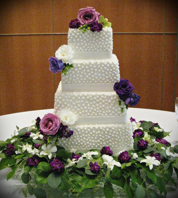 Purple Wedding Cake Ideas: 37 Creative Wedding Cake Table Decorations