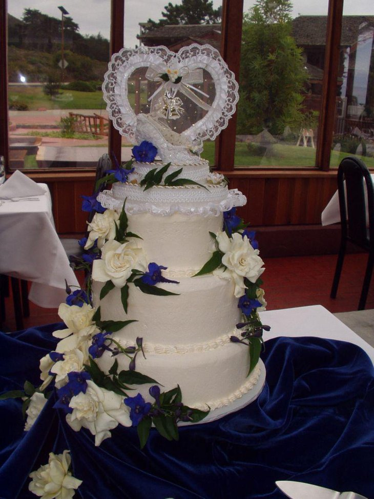 wedding cake flower decoration ideas 37 creative wedding cake table decorations table 22666