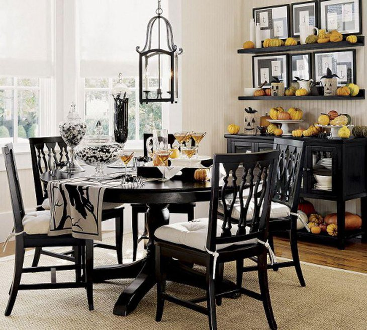 small dining room ideas with round tables. Marvelous vintage black small round dining table with claw padestal 25 Dining Room Tables for Small Spaces  Table Decorating Ideas