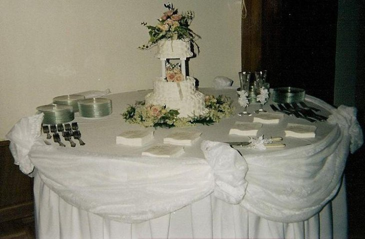beautiful wedding cake tables 37 creative wedding cake table decorations table 11233